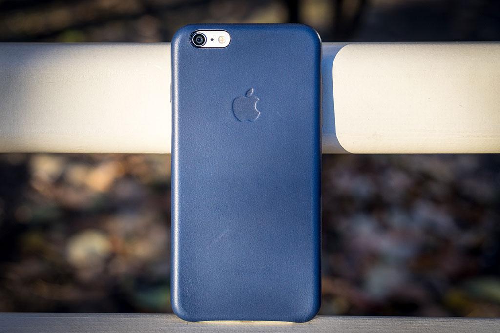 10-iPhone-6-Plus-InUse-BB