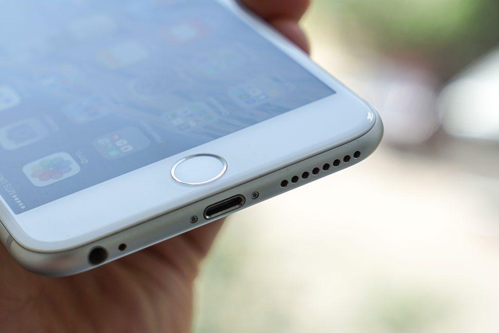 16-iPhone-6-Plus-InUse-BB